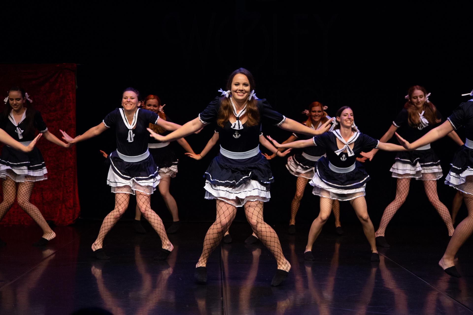 jazz-balet-dijaki-in-studentje-1-plesna-sola-wolfy